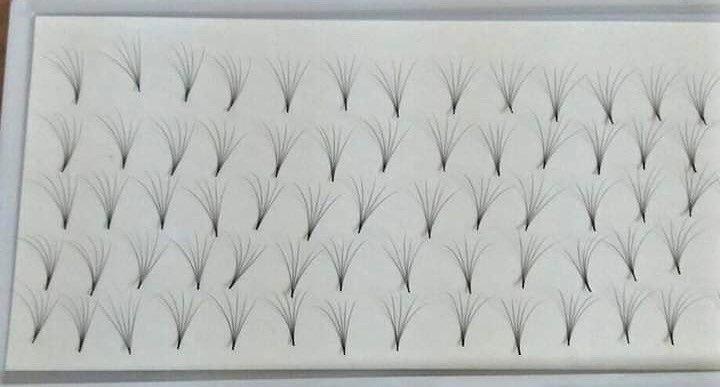 pre hand fans ( A Box of 500 Fans) 5D C curl 8mm 0.07