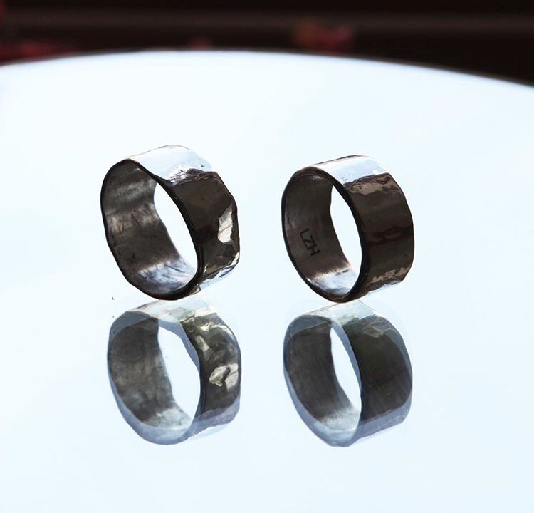 Широкие, толстые, полированные обручальные кольца