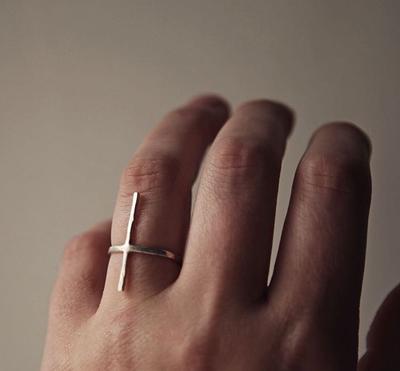 Серебряное кольцо - крест
