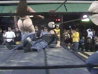 VOD - Elle Mae vs Ginger (Female Wrestling)