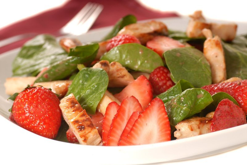 Spinach, Strawberries and Chicken