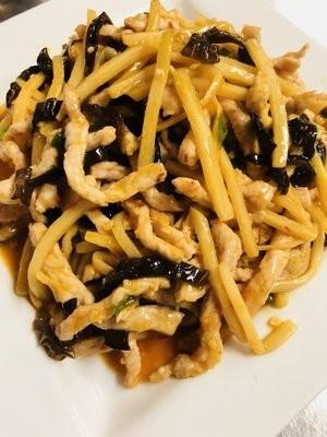 JNC【江南村】鱼香肉丝 Shredded Pork w/ Garlic Sauce (Closed Tuesday)