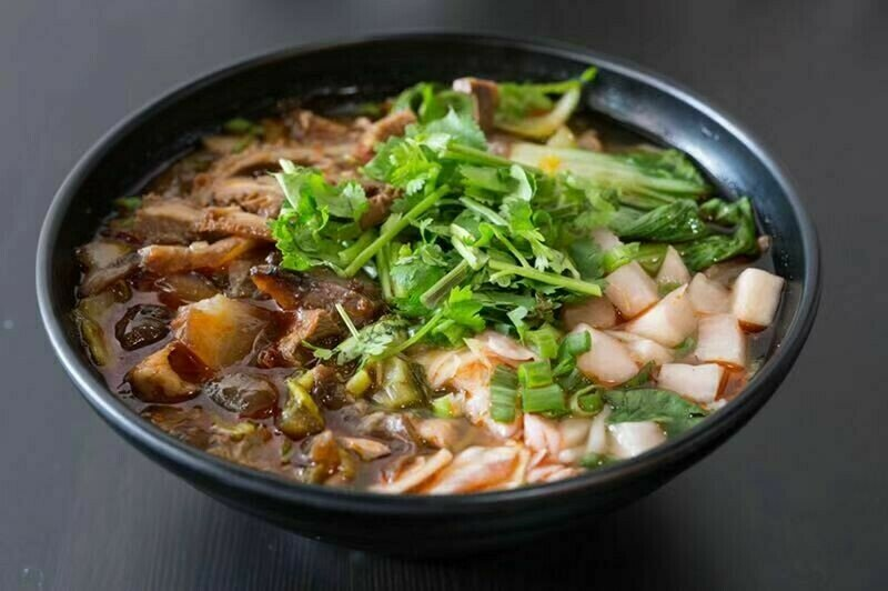 HXW【花溪王】牛杂粉/面  Beef Offal W. Vermicelli/Noodle