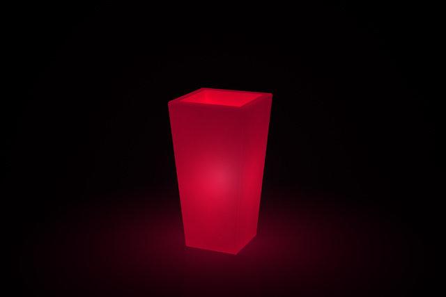 Vaso quadrato Adige luminoso h 39, 53, 65, 89 cm in resina