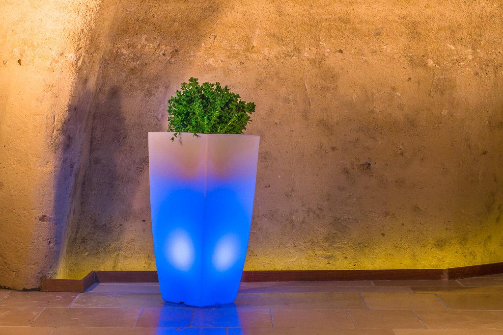 Vaso Quadrato Stilo luminoso Multicolor Led con Batteria 39x39 x h 90 cm