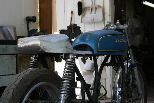 Seat No.3 Dunstal Universal Cafe Racer Seat Honda CB750 for the F Tank