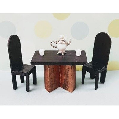 24th scale table and chairs kit set (NZ & AU P&P included)