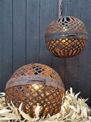 Liggende metalen bal lamp S