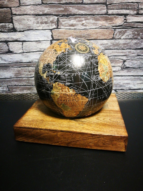 Wereldbol spaarpot