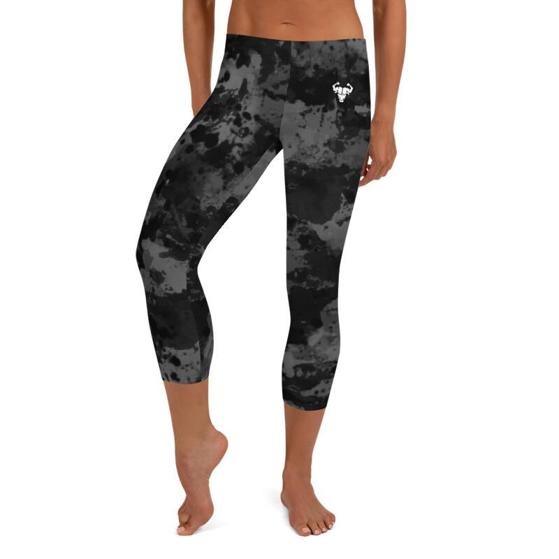 Black Grunge Capri Leggings