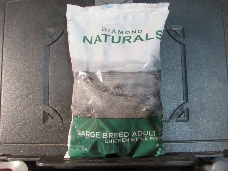 **SALE** Diamond Naturals Chicken & Rice Large Breed Adult 6 oz (9/18) (Q.Q1)