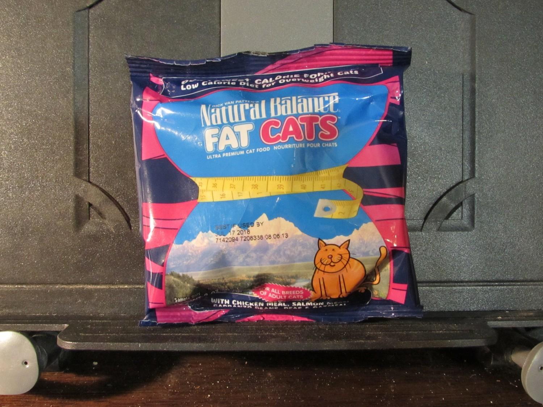 Natural Balance Fat Cats Chicken, Salmon, Garbanzo Beans, Peas & Oatmeal 2 oz. (2/19) (A.P3/CDS)
