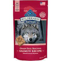Blue Buffalo wilderness trail treats grain-free biscuits salmon recipe natural crunchy dog treats 10 ounces (11/19)