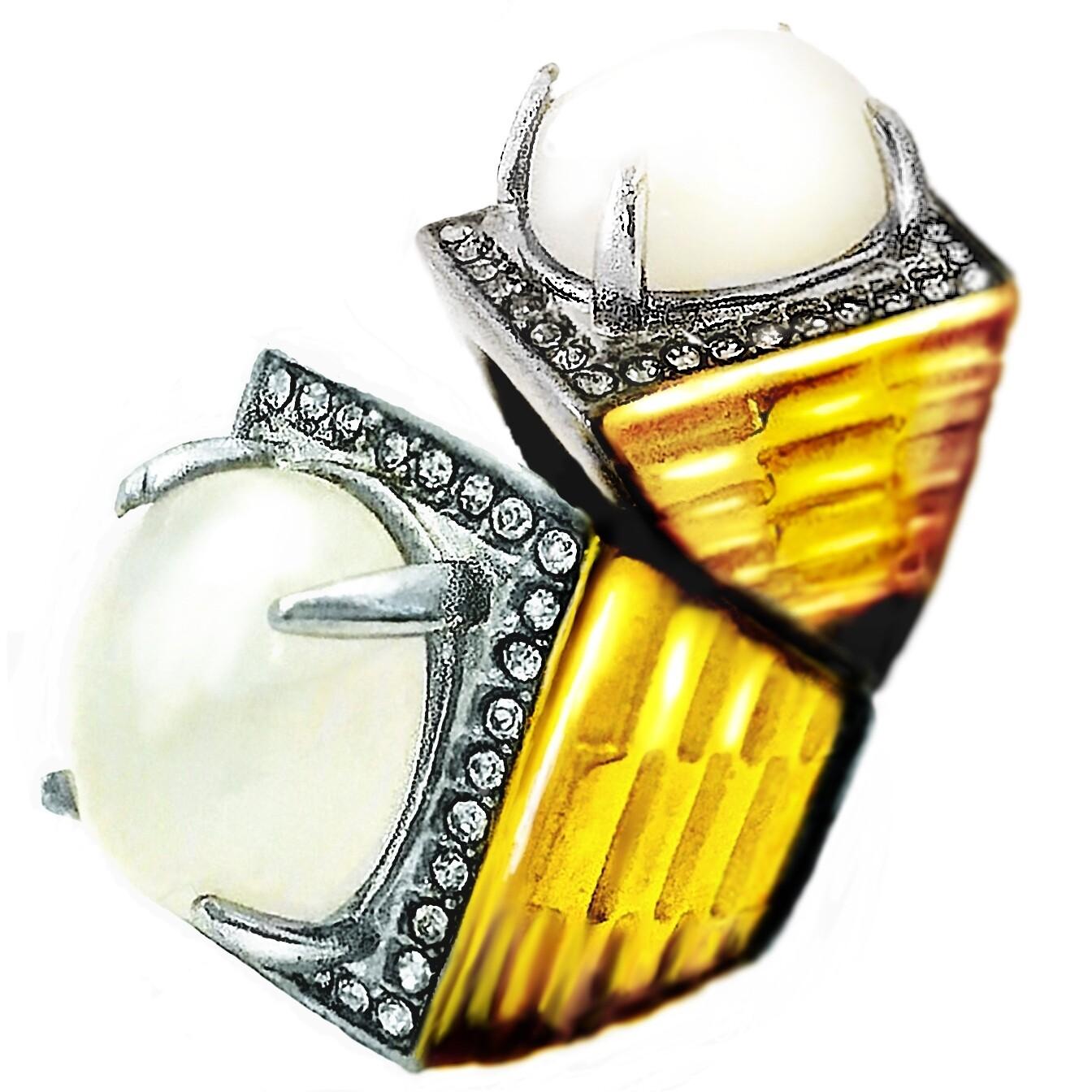 Magic Moonstone Jewel Ring, possessing Spiritual Qualities, ensuring Successful Progress