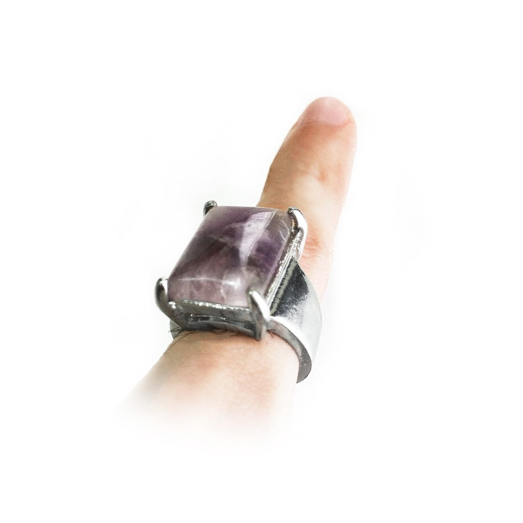 Amethyst ring amulet