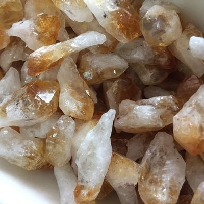 Small Citrine Points