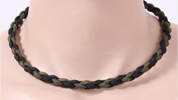 ROTHCO PARACORD NECKLACE 22 INCH OLIVE/BLACK 92110