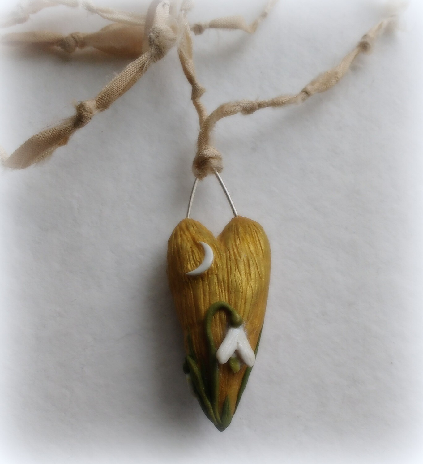 Woodland Heart with Snowdrops