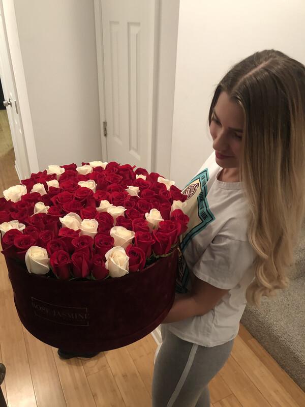 Velvet Love (100 Roses)