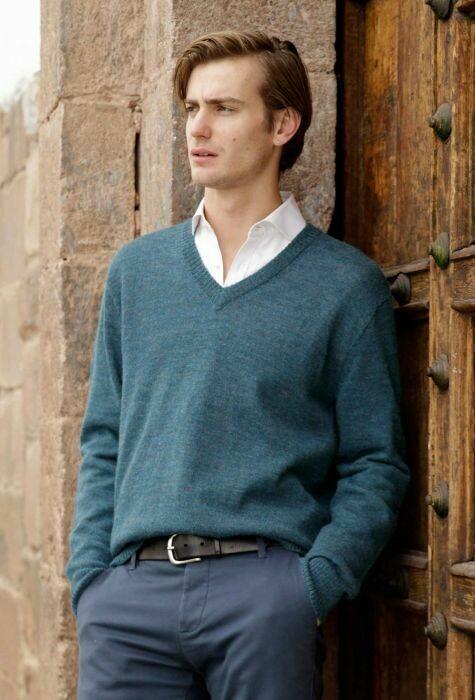 NEW Men's V-Neck Alpaca Pullover