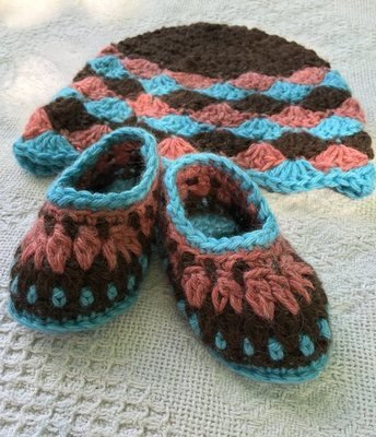 Baby Alpaca Booties and Hat Set - 3-6 Months