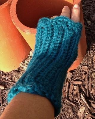 Ribbed Fingerless Gloves - Snuggle
