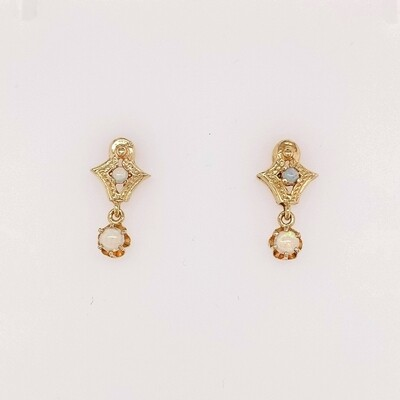 14kt Yellow Gold Vintage Opal Drop Earrings