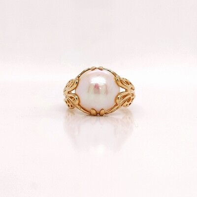 14kt Yellow Gold Mabe Pearl Ring