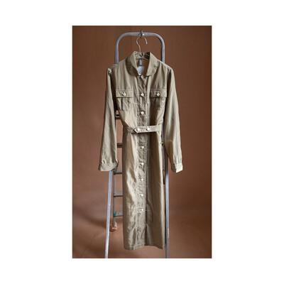 W'MENSWEAR SHUTTLE DRESS IN KHAKI
