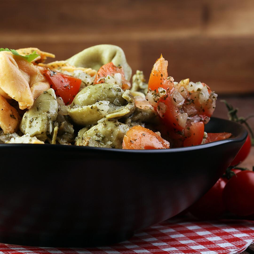 Tortellini Salad (per lb)