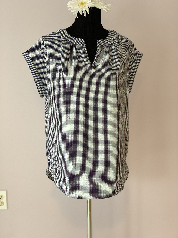 Pullover Short Sleeve Top