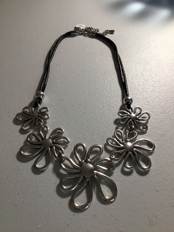 Black Leather Daisy Design Necklace