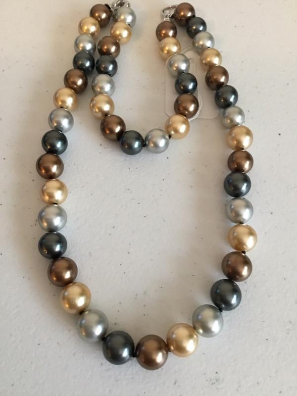 Gold Multi-Color Pearl Bracelet And Necklace Set
