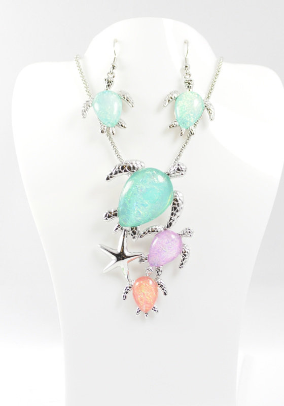 Sea Turtle Cluster Necklace and Earrings Set