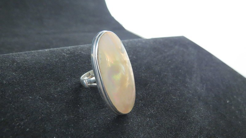Sterling Silver Oval Mother of Pearl Ring