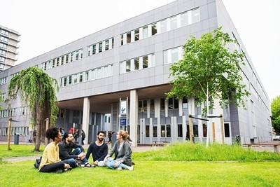 Information Sciences (VU - Lisans)