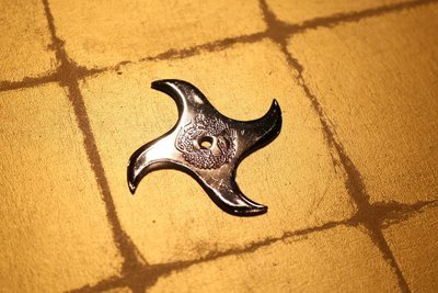 Chrome plating Shuriken (Ninja star):Swastika クロームメッキ手裏剣 卍