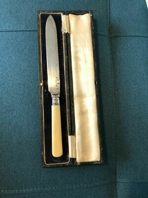 Antique Silver collared fish knife, boxed. Sheffield 1924 Yates Bro EPNS blade