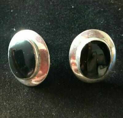 Vintage .925 Sterling Silver earrings - simple plain and elegant,