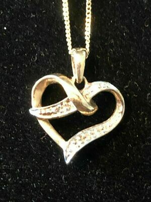 Vintage 9ct gold & Diamonds (tested) pendant and chain - probably dates from around 1960