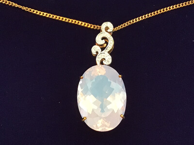 9k Yellow Gold & Diamond Necklace with huge Lavender Quartz stone