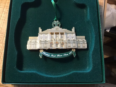 Genuine USA Whitehouse Christmas decorations - very unique
