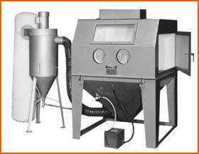 Master Model 48 x 48 Split Level with 600 CFM Abrasive Separator