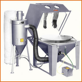 Master Model 40 x 40 Split Level with 600 CFM Abrasive Separator