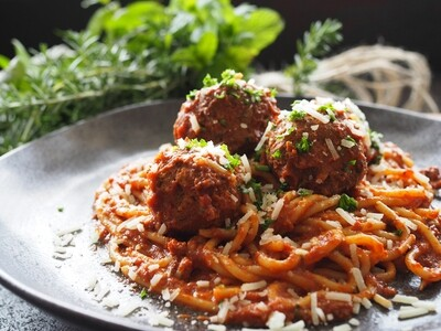 Spaghetti Meatballs in Smoked Capsicum Tomato Sauce - Frozen Meal
