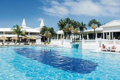 Montego Bay to Ocho Rios Round Trip Airport Transfer