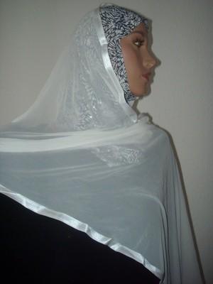 Kuwait Hijab white and black voile