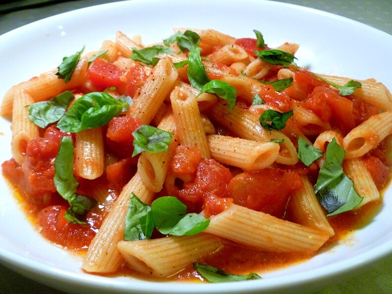 Chicken-less Arrabiata with Penne Pasta (8 serving tray)