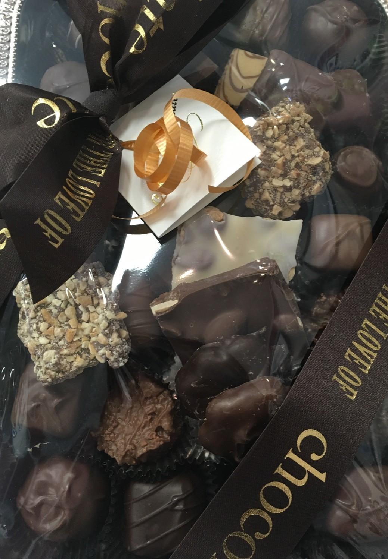 1.25 lbs Tray Mixed Milk and Dark Chocolates