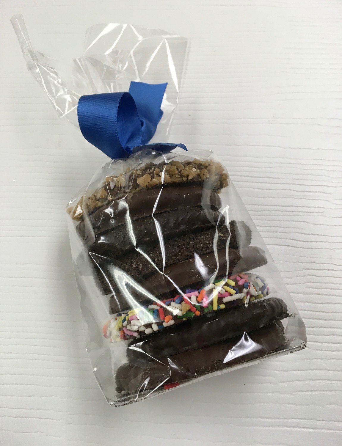 .52 Lbs. Pretzel Bag with Choice of Ribbon Color. 2 Gourmet 3 Milk and 3 Dark.